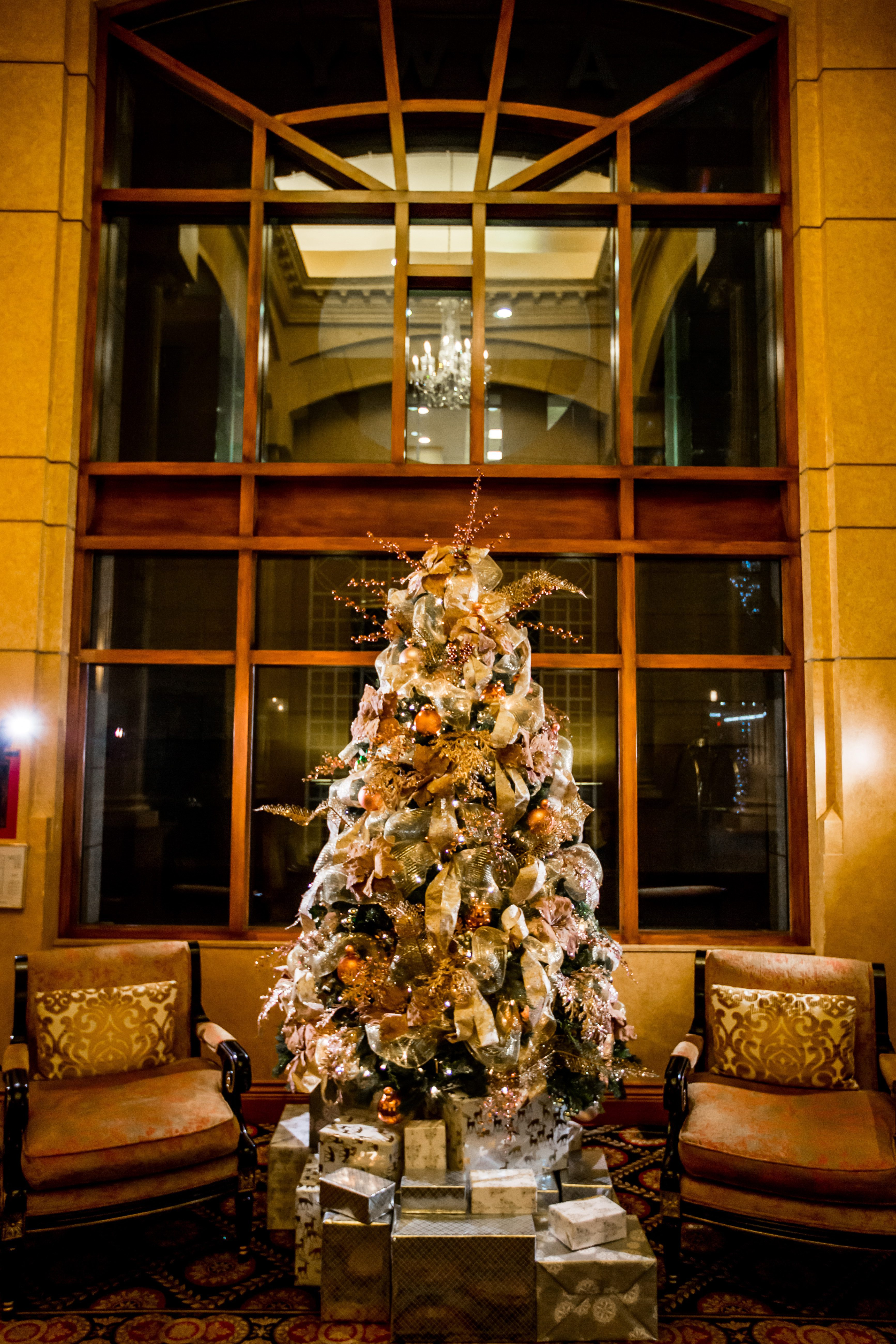 Hotel Le Soleil Vancouver Holiday Designs
